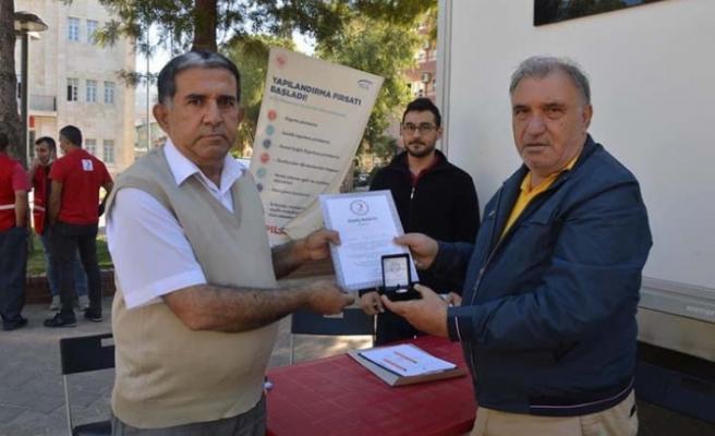 Türk Kızılayı'ndan Başkan Doğan Özırmak'a madalya