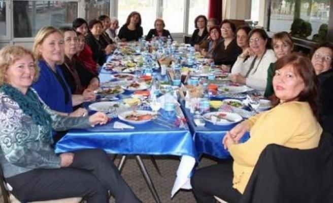 8 Mart Dünya Kadınlar Günü'nü kutladılar