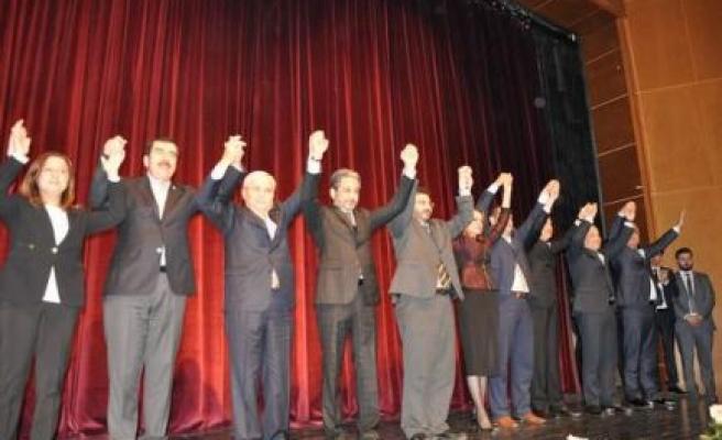 AK Parti, Aydın Milletvekilli Adaylarına tanıtım töreni düzenledi