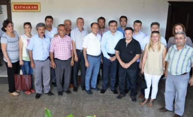 AK Parti Yönetimi, resmi kurumları ziyaret ediyor