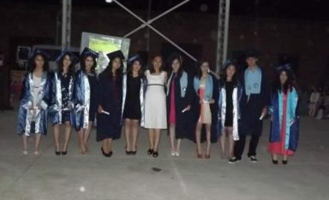 Akçaova Anadolu Lisesi'nde diploma töreni