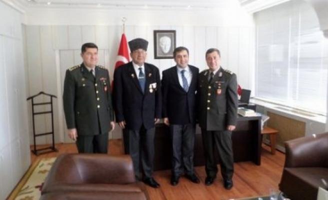 Albaylar, Kaymakam Demir'i ziyaret etti