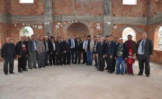 Başkan Alıcık, Kavşit Camisi'ne yardım elini uzattı