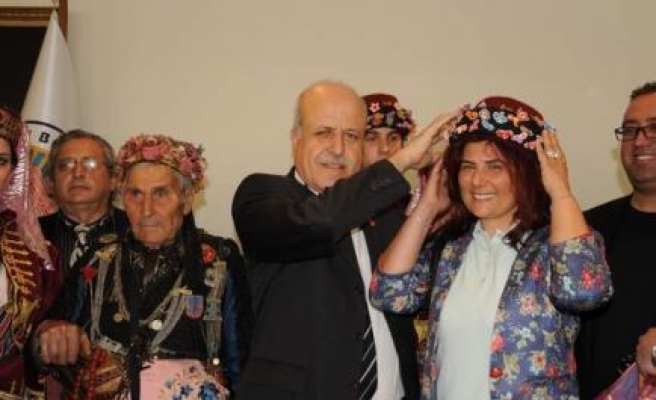 Başkan Çerçioğlu'na Efe Fesi
