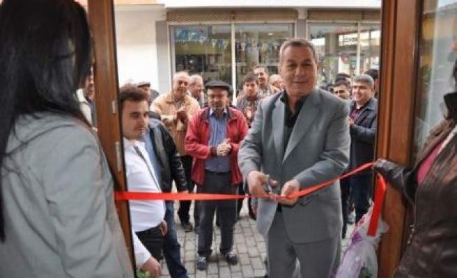 Bayram Koyun, erkek kuaför salonu açtı