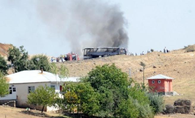 Bingöl'de askeri konvoya saldırı: 6 şehit!