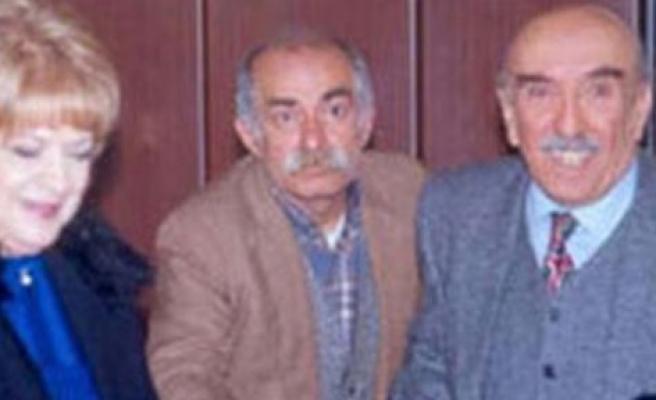 Bizimkiler'in Tahtakafa Raşit'i vefat etti