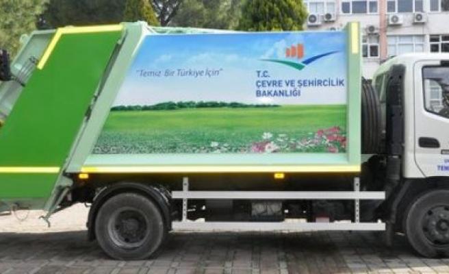 Çevre Bakanlığı'ndan Çine Belediyesi'ne hibe çöp kamyonu