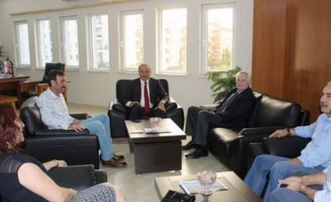 CHP Genel Başkan Yardımcısı Murat Özçelik, Belediye Başkanımız A.Deniz Atabay'ı Ziyaret Etti.