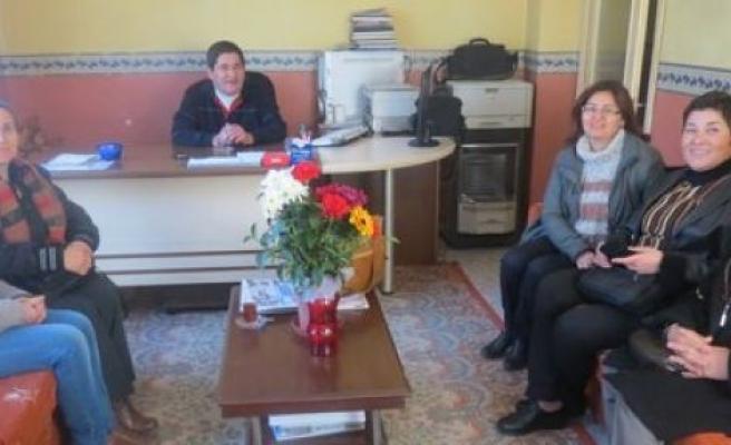 CHP ilçe Kadın Kolları Uğur Gazetesi'ni ziyaret etti