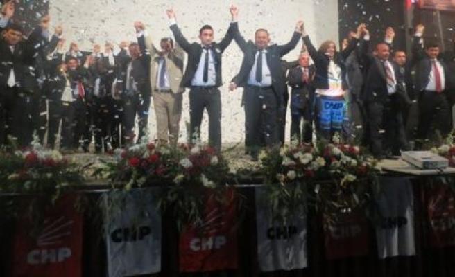 CHP'nin aday tanıtımı gövde gösterisine dönüştü