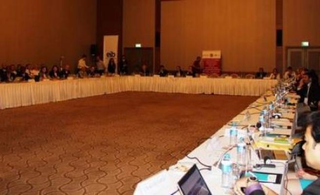 Dünya kuru meyve standartları İzmir'de belirlenecek