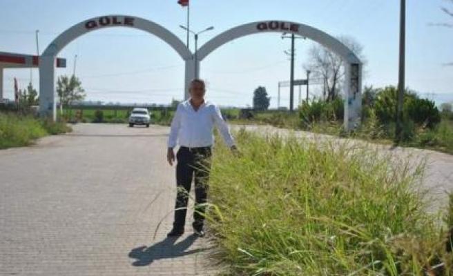 """İncirliova Belediye Başkan Yardımcısı Yalçın Sarı """"Kendi yapmaz, bize de yaptırmaz"""""""