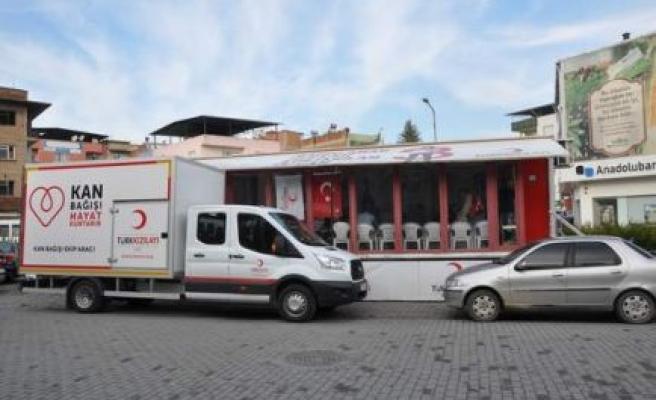 Kızılay Kan Alma Aracı Çine'ye geldi
