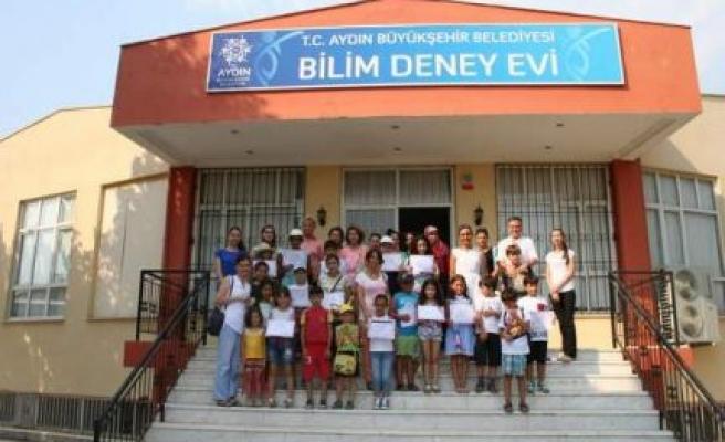 Kültür Merkezi Öğrencilerine Katılım Belgeleri Verildi