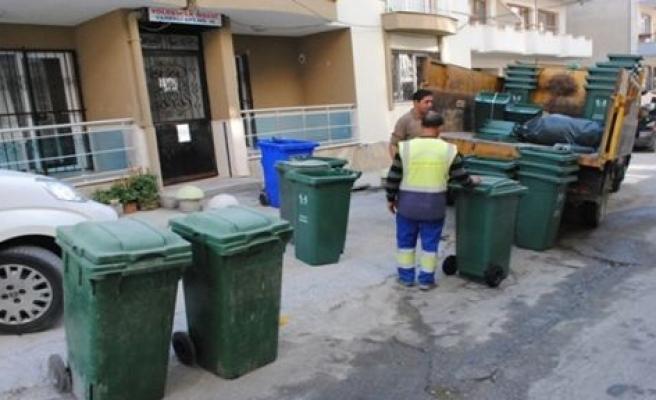 Kuşadası'nda Saatli Çöp Uygulaması