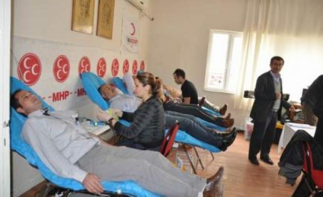 MHP Çine Teşkilatı kan bağışında bulundu