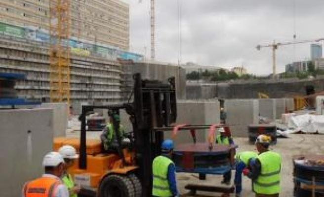 Okmeydanı Hastanesi'nde sismik izolatör montajına başlandı