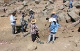 Alabanda Arkeolojik Kazı Çalışmaları Kaldığı...