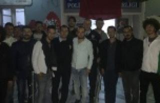 CHP Gençlik Kolları, Emniyet Güçlerine Gece Mesaisi...