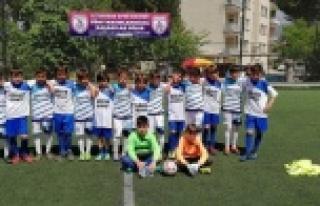 Çocukların Futbol ve Voleybol Turnası