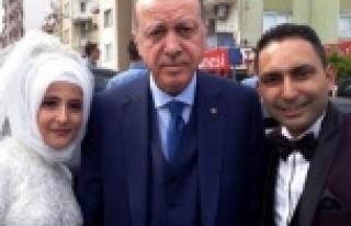 Cumhurbaşkanı Erdoğan'ı Gelinliği İle Karşıladı