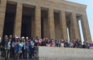 Marmara Koleji, Ata'yı Ziyaret Etti
