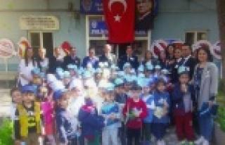 Minikler Polis Bayramını Kutladı