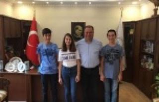 Başkan Dinçer, LGS'de Başarılı Öğrencileri...