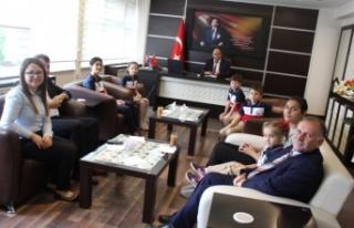 Öğrenciler, Çine Kaymakam Erdoğan'ı Ziyaret...