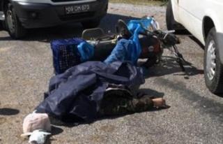 Minibüs ile Motosiklet Çarpıştı: 1 Ölü
