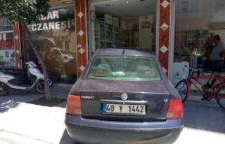 Çine'de, Otomobil Eczaneye Girdi