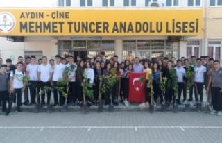 Öğrenciler, Barış Pınarı Harekatı Şehitlerine...