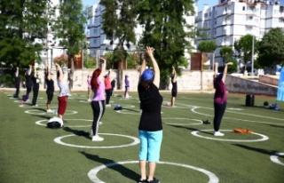 Aydın Büyükşehir, Efeler'de sabah sporu düzenliyor