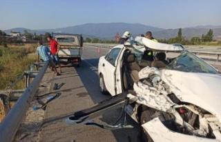 Çine'de kamyonet ile otomobil çarpıştı: 3 yaralı