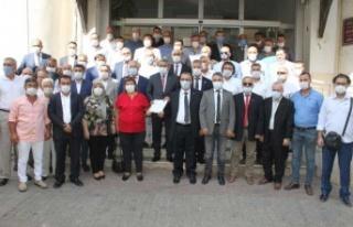 MHP'li Alıcık ve yönetimi mazbatasını aldı