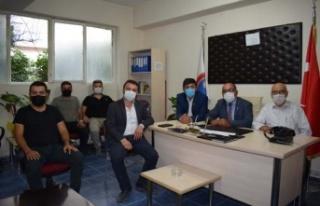AK Parti Muhtarlar gününü kutladı