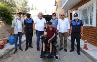 Başkan Atay'dan Yavuz'a Akülü Engelli Aracı