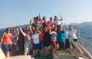 EYSİM personeli tekne turuyla stres attı