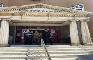Okula dadanan hırsız yakalandı