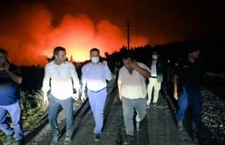 Vali Aksoy, Bozdoğan bölgesi yangınında incelemelerde...