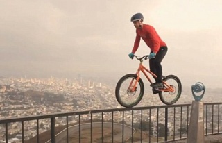 Ağızları açık bırakan bisiklet sürücüsü