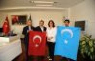 Başkan Çerçioğlu Uygur Türklerine Sahip Çıktı