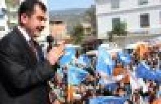 """""""Çine Meydanı, AK Parti'nin zaferini müjdeliyor"""""""