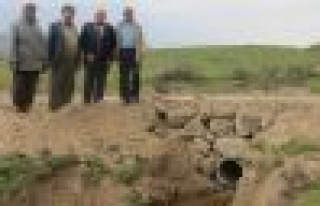 Köylülerin yol sorununu Akçaova Belediyesi çözdü