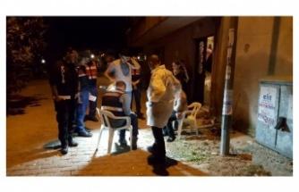 Güvenlik güçleri olayı çözmek için evlerdeki kirli çamaşırları topladı