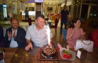 Müdür Üstündağ'a Sürpriz