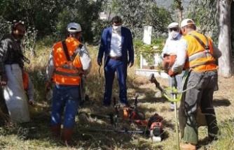 Çine Belediyesi Mezarlıkları Temizlendi