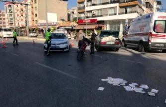 Otomobil ile motosiklet çarpıştı; 1 yaralı