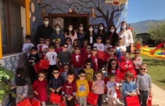 Anaokulu öğrencileri 23 Nisan'ı erken kutladı